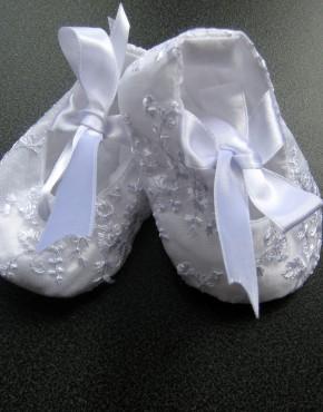 Пантофки с данетела- бяло