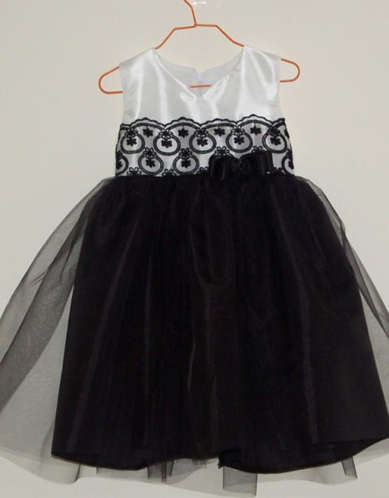 Детска официална рокля в черно и бяло