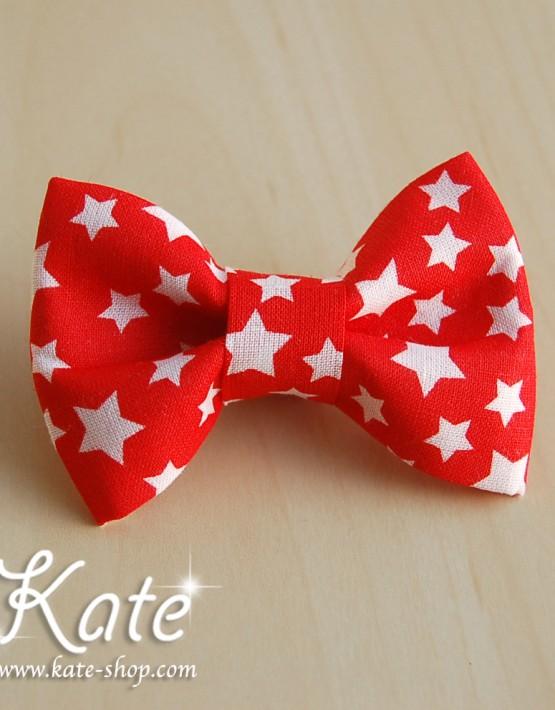 Червена папионка на звезди