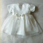 Бебешка рокля за кръщене с дантела еркю