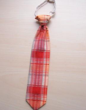 Карирана вратовръзка