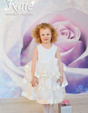Детска шаферска рокля на волани